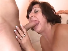 Elder mom with saggy tasty tits amp guy
